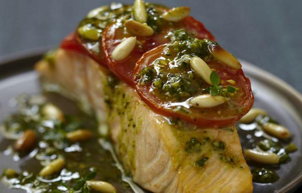 Pavés de saumon au Pesto Oriental Thala® et aux pignons de pin